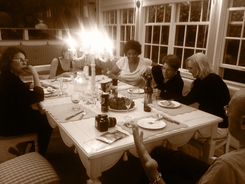 Going around the table, that's Anna Sequoia (author of 11 books), Sara Goudarzi (journalist), Sanderia Faye (novelist and folk-lore writer) me, Laurie Lepik (writer and craftswoman) and Jack Sonni (musician--he played for Dire Straits--and writer) and the picture is by Nan Byrne (documentarian).